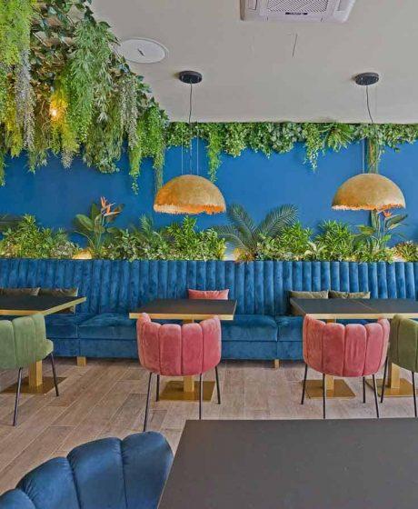 Restoran-Struja-Umjetne-biljke-visilice
